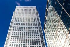 Windows офиса небоскреба, корпоративного здания в Lon Стоковая Фотография RF