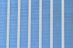 Windows офисных зданий на заднем плане стоковое фото