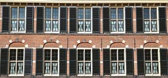 Windows с черными шторками стоковые фотографии rf