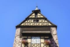 Windows с цветками в Эльзасе, Франции Стоковое Изображение RF