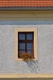 Windows auf dem Haus Lizenzfreies Stockfoto