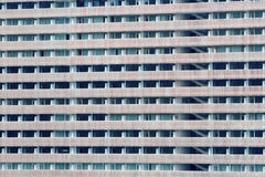 Windows av byggnadscloseupen Royaltyfri Fotografi