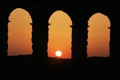 Windows av colosseumen royaltyfri bild