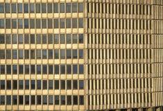 Windows av den mötta livbyggnaden på Wall Street, New York City, NY Royaltyfri Bild