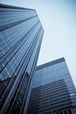 Windows av kontorsbyggnadar Arkivfoto
