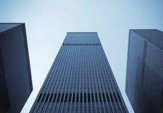 Windows av kontorsbyggnadar Arkivbild