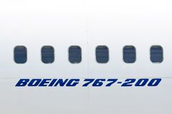 Windows biały samolotowy Boeing 767 Rosja moscow Lipiec 03 2013 Zdjęcia Royalty Free
