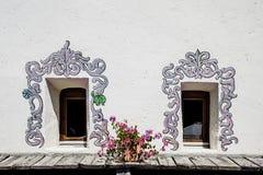 Windows com decorações Imagens de Stock Royalty Free