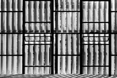Windows con el brise-soleil Imagenes de archivo