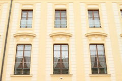 Windows d'un palais Photographie stock libre de droits