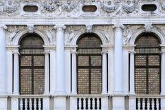 Windows da biblioteca nacional de St Mark Foto de Stock
