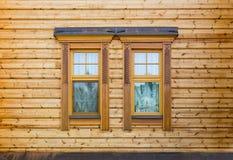Windows da casa de madeira fotos de stock royalty free