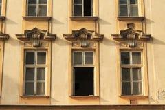 Windows da casa velha Fotos de Stock
