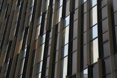 Windows de cristal en el edificio alto fotografía de archivo libre de regalías