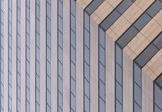 Windows de l'immeuble de bureaux Images libres de droits