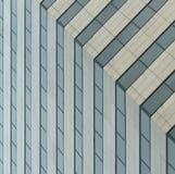 Windows de l'immeuble de bureaux Image stock