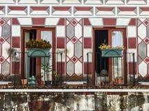 Windows de las casas coloridas de Badajoz Imagen de archivo libre de regalías