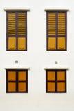 Windows de madeira amarelo Fotos de Stock Royalty Free