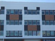 Windows de Reykjavik, Islândia multi f colorido moderno Fotos de Stock Royalty Free