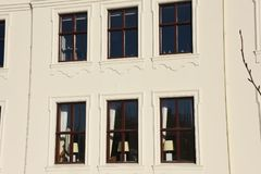 Windows de Reykjavik, Islandia tradicional Foto de archivo libre de regalías
