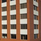 Windows de uma arquitetura de construção moderna imagens de stock royalty free
