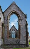 Windows de uma igreja bombardeada em WW2 Fotografia de Stock Royalty Free