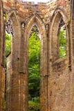 Windows de una iglesia gótica medieval anterior Fotografía de archivo