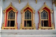 Windows de Wat Benchamabophit (templo de mármore) Fotografia de Stock Royalty Free