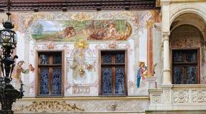 Windows del castillo de Peles en Sinaia, Rumania Fotografía de archivo libre de regalías