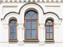 Windows del edificio viejo fotografía de archivo libre de regalías