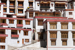Windows del monasterio Rhizong, Ladakh, la India del budhist Imágenes de archivo libres de regalías