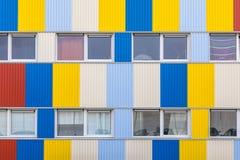 Windows dell'alloggio dello studente in container Fotografia Stock Libera da Diritti