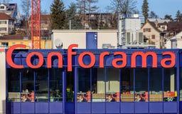 Windows des Conforama-Speichers in Wallisellen, die Schweiz Stockfoto