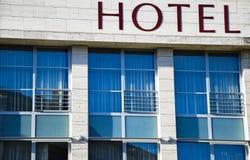 Windows des Hotels Stockfoto