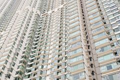 Windows des immeubles de bureaux à l'arrière-plan Images stock