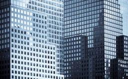 Windows des immeubles de bureaux Photo stock