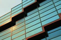 Windows di costruzione moderno fotografia stock libera da diritti