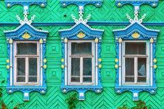 Windows di legno con le strutture scolpite fotografie stock libere da diritti