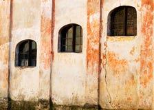 Windows di vecchia costruzione Fotografia Stock Libera da Diritti