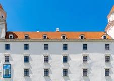 Windows do castelo de Bratislava foto de stock