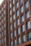 Windows do prédio de escritórios do multi-andar Foto de Stock Royalty Free