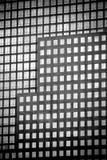 Windows dos prédios de escritórios Imagens de Stock Royalty Free