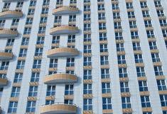 Windows e balcões do prédio foto de stock royalty free