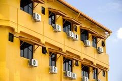 Windows e condizionatori d'aria Fotografie Stock
