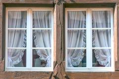 Windows in einer Fassade Lizenzfreies Stockfoto