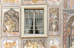 Windows in einer Fassadenzeichnung Stockbilder