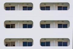 Windows eines Kreuzschiffs Lizenzfreie Stockbilder