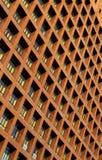 Windows en el alto edificio de la subida Imagen de archivo libre de regalías