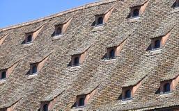 Windows en el tejado Imágenes de archivo libres de regalías