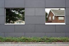 Windows ha riflesso le case Fotografie Stock Libere da Diritti